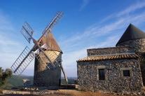 Moulin de Faugères - Hérault, le Languedoc © Henri Comte